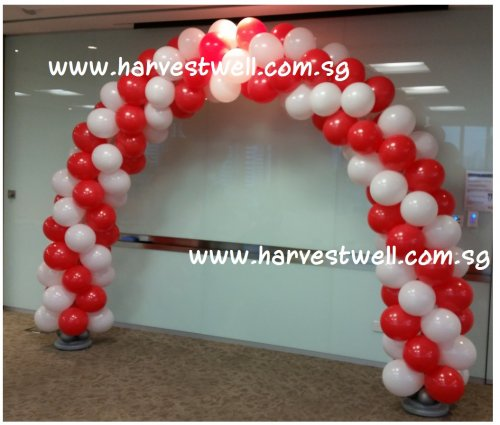 SG CELEBRATION Spiral Balloon Arch (Red & White)