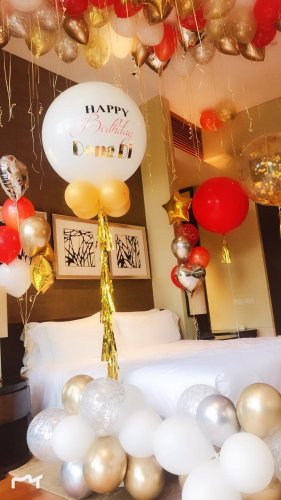 Balloon decoration in hotel room